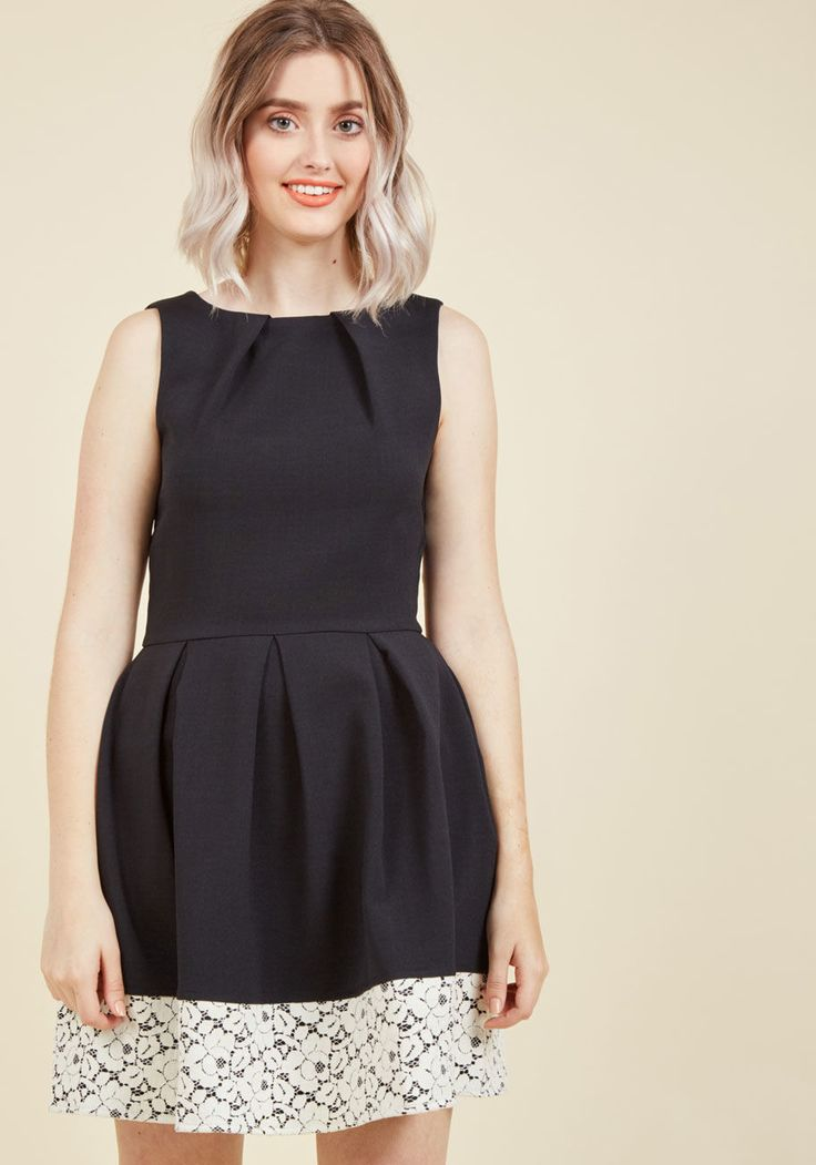 <p>If you've been searching for a charming new frock, then you're in luck! The A-line silhouette and pleated details of this gorgeous LBD by Closet London flaunt effortless femininity, while the band of darling white lace at the hem adds extra sophistication. Wearing this pocketed piece is a fashionable chance worth taking!</p>