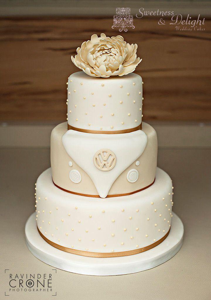 VW Campervan Themed Wedding Cake (c) Sweetness & Delight Wedding Cakes.