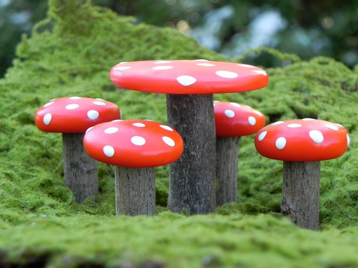 Fairy Garden Table and Chairs Furniture - miniature mushroom. $12.50, via Etsy.