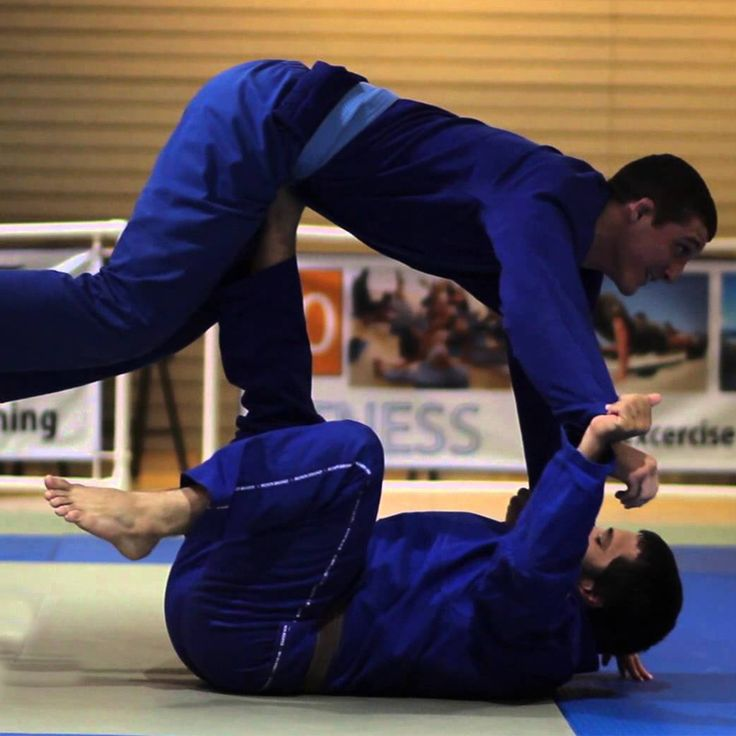This article by Roger Gracie Black Belt Nicolas Gregoriades will help you to improve your guard.