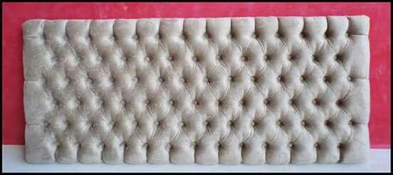 """""""Feliz a nação cujo Deus é o Senhor,"""" Salmos 33.12a  Fabricação de cabeceira estofada no capitonê,tecido suede amassado bege.Medidas:1,65 cm de comprimento,0,70 cm de altura e 0,10 cm de espessura."""