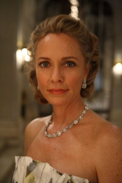 Moira Dearden Queen (Susanna Thompson) - Arrow