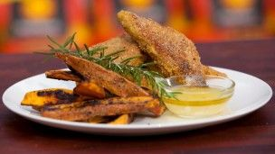 A great alternative to the traditional barbecue meal- crusted tempeh with sweet potato.
