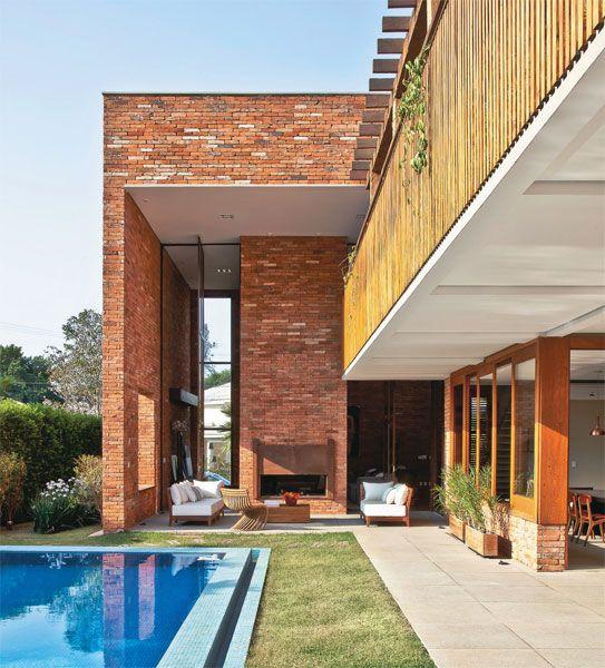 Casa no interior paulista comprova a versatilidade do tijolo - Casa