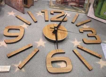 Reloj adhesivo en madera, del diámetro que se quiera. Post Reyes 2016.