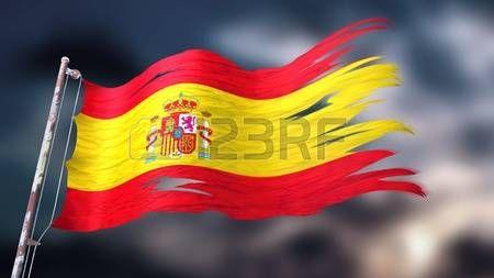 Ilustración 3d de una bandera rasgada y rasgada de España delante de un cielo nublado oscuro