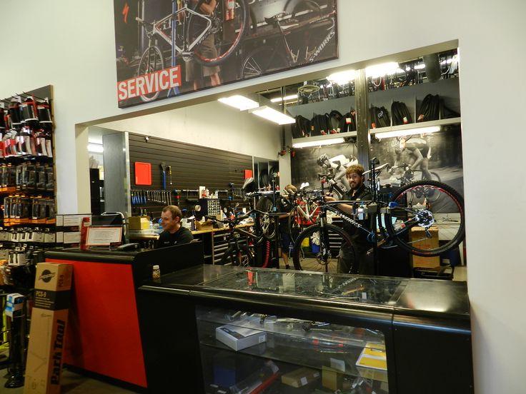 Atelier mécanique de la boutique Bicycles Quilicot de Laval