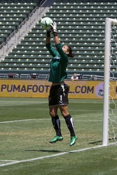 Hope Solo~ great save ⚽