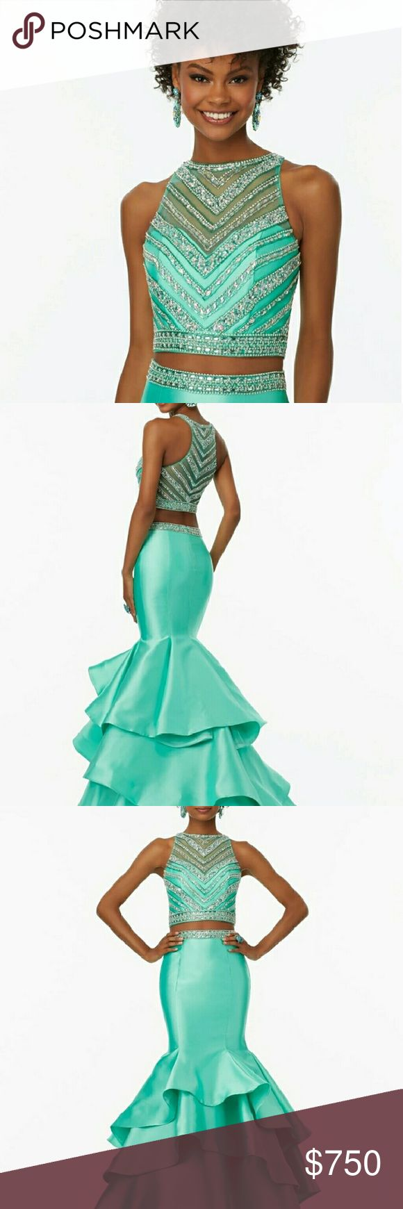 9 best Ellie Wilde images on Pinterest | Gown, Prom dresses and ...