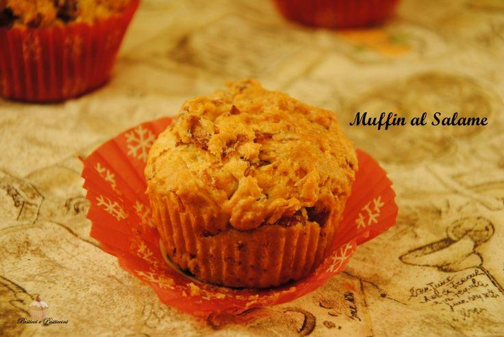 I Muffin al Salame è una ricetta di sicuro successo, che conquisterà certamentegrandi e piccini.  I Muffin al Salame sono ottimicome finger food d'aperitivo, perfetti per accompagnare un buon prosecco o un ottimo Spritz.