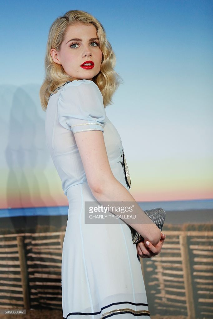 British actress Lucy Boynton poses during a photocall for the movie 'Sing Street' on September 6, 2016 in the French northwestern sea resort of Deauville, as part of the 42nd Deauville US Film Festival. / AFP / CHARLY