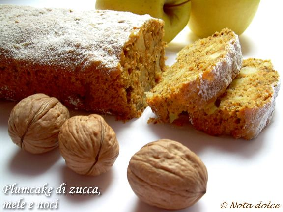 Plumcake+di+zucca,+mele+e+noci+ricetta+dolce+senza+burro