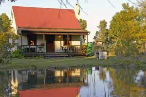 Our popular weekend getaway self-catering cabin - Froggy Pond - affordable Knysna accommodation , self-catering cottages , garden route cottages