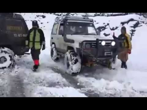 2nd Lawari Top Snow Cross 4x4 jeep Rally 2017 | Life Skills TV