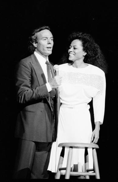 Julio Iglesias and Diana Ross