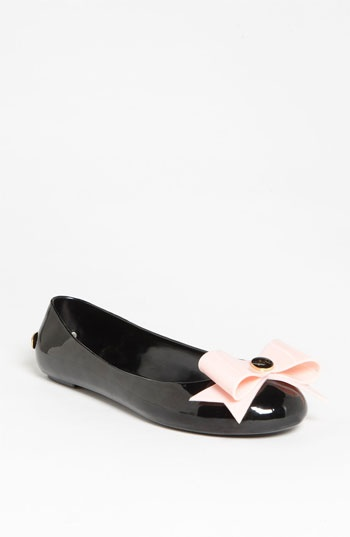 feet carum
