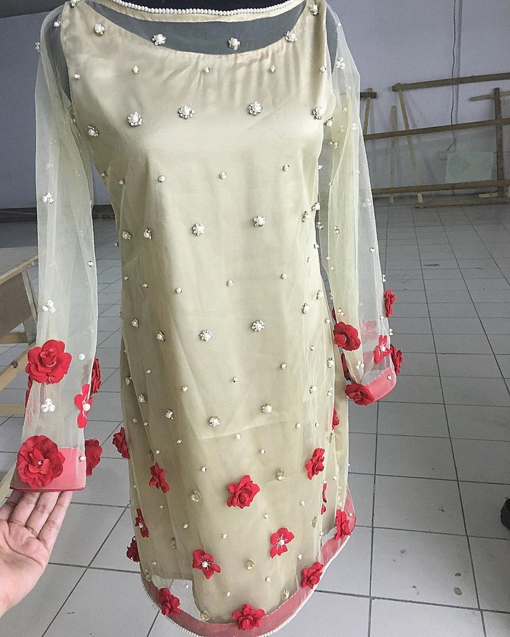 Cream shirt / kameez with red rose details | allechant couture | mehndi dress for guest | eid dress