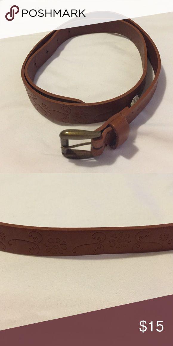 Tan belt with flowers Tan belt with flower pattern Accessories Belts