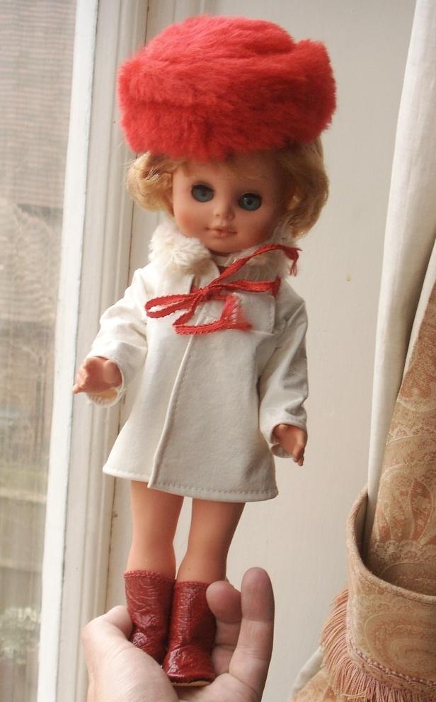 1960s German Vinyl Rauenstein Spielzeug Doll in Box GDR 36+4