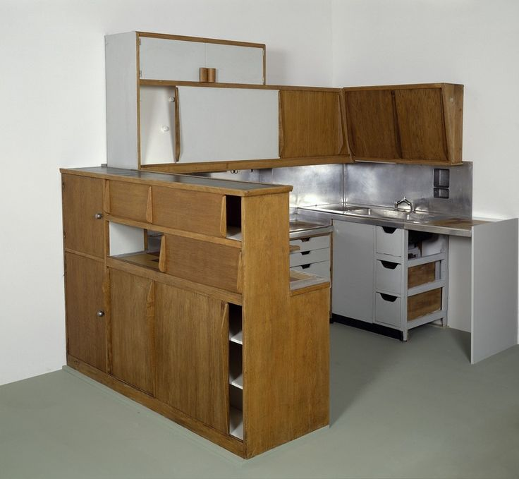 meuble cuisine atelier le corbusier type 1 bauhaus interiors and kitchens. Black Bedroom Furniture Sets. Home Design Ideas