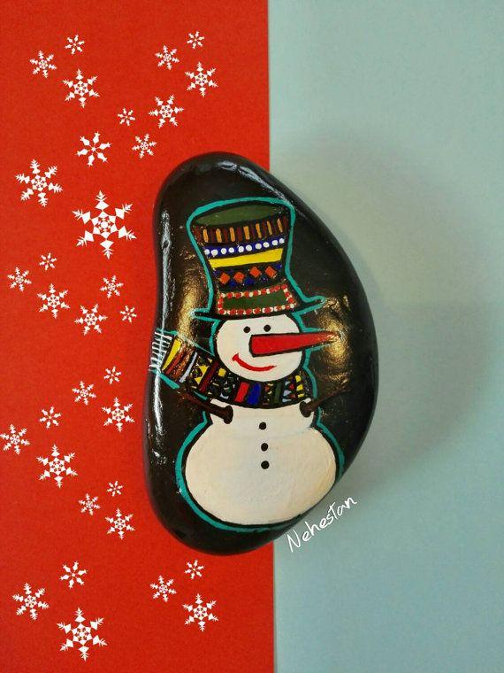 Painted Stone, Snow man on Natural Beach Pebble, Acrylic Painting on Beach Stone, Cute Snowman on Stone, Nice Christmas Gift!