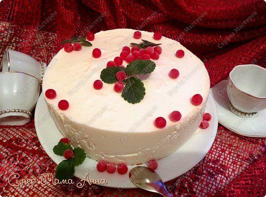 Сегодня Сочельник,  Канун Рождества! Хочу пожелать Вам Тепла и добра! С наступающим, дорогие мои! Представляю самый мой любимый тортик-мусс творожный с прослойкой из клубничного желе. В исполнении торт не очень сложный, но требует времени и лучше процесс разделить на два дня. Далее поясню. фото 1
