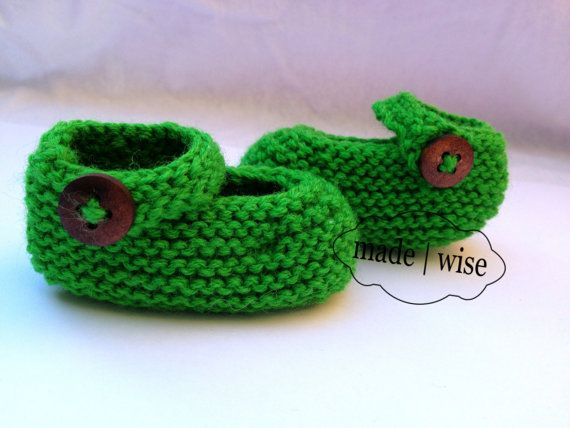 Green Mary Jane Hand knit Baby Booties Baby Girl *FREE POST