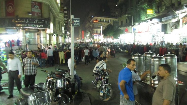 Life wire place! Cairo comes alive at night for shoppers and street food vendors