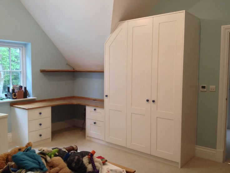 Bedroom Set With Custom Wardrobe Desk And Drawers Bespoke Design By Anthony Mullan Furniture Find Out More At Www Anthonymullan Pinterest