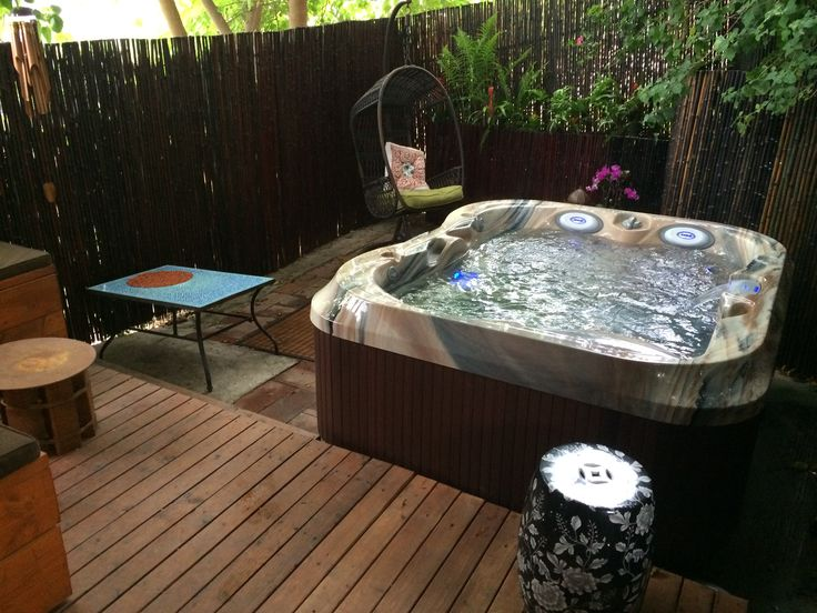 Jacuzzi® J315™ in downtown San Diego, CA shown in Monaco Acrylic