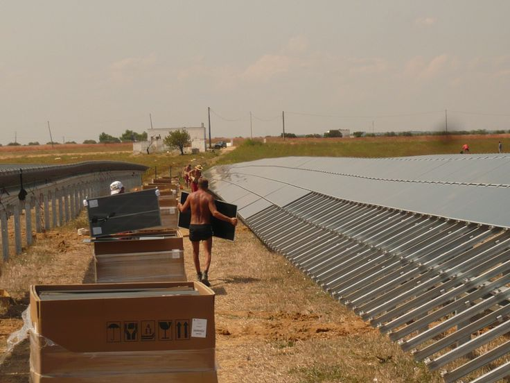 Mounting an 8 MW solar park in Italy in 2009