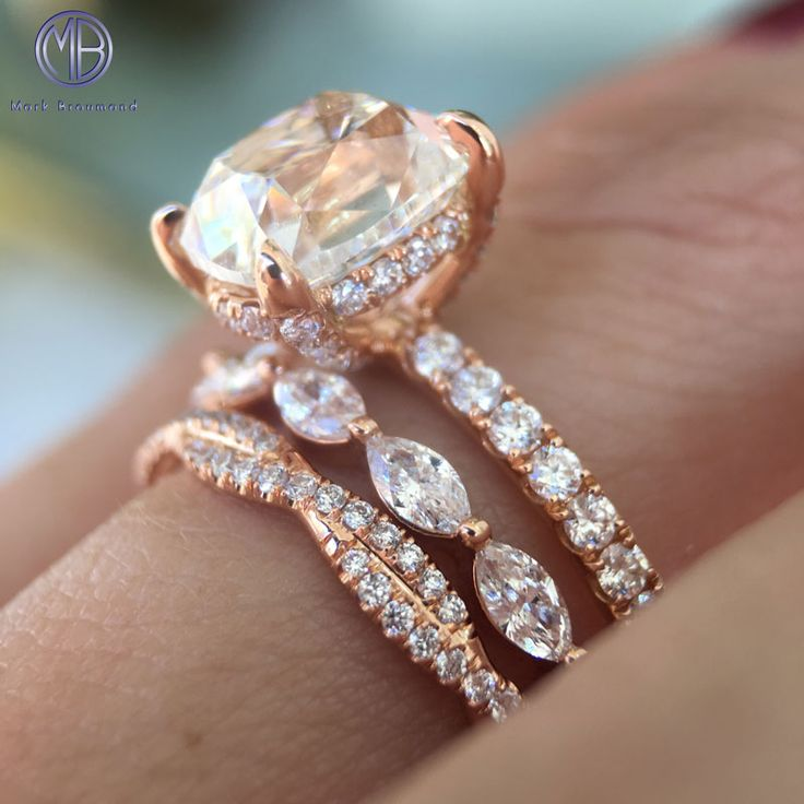 with three diamond jewelry ring gold diamonds fine massive engagement white stone cut trellis round wedding rings