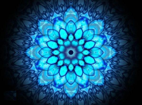 Mándala significa círculo en sánscrito. Esta palabra es también conocida como rueda y totalidad. Más allá de su definición como palabra, desde el punto de vista espiritual es un centro energético d…