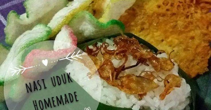 Resep Nasi uduk ricecooker favorit. Tadinya mw beli nasi uduk buat sarapan pagi2 tapi hujan deras bgt,akhirnya bikin sendiri deh cepat pula bikinnya ga ribet karna pakai ricecooker 😊