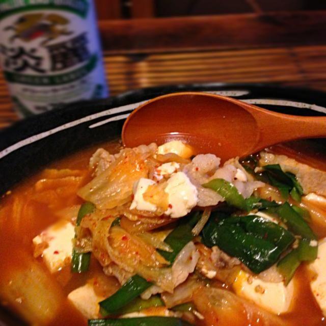 花金なのに、一人ご飯;_;  でも、美味しくできた♡ るろうにん剣心みながら、ゆったり週末にはいりまーす。 - 17件のもぐもぐ - 豚キムチ豆腐 by 0405