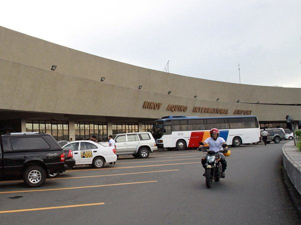 A massive public-private partnership (PPP) auction to expand and privatize the operations of Manila's Ninoy Aquino International Airport (Naia) has been put on hold as the government decides to first come up with a comprehensive Luzon air gateway master plan, according to the head of the Philippines PPP Centre.