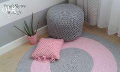 250 zł: Witam serdecznie!  Oferuję Państwu, wykonywane na zamówienie, piękne, ekologiczne, ręcznie robione dywany o dowolnej kolorystyce,  Dywan, w zależności od Państwa potrzeb, może być okrągły, kwadrat...