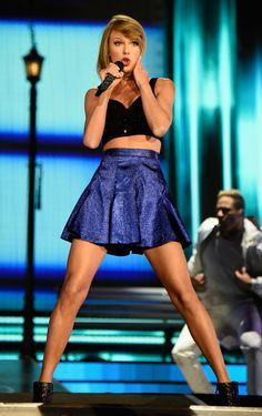 Taylor performing at Rock in Rio 5.15.15 Please visit our website @ https://22taylorswift.com