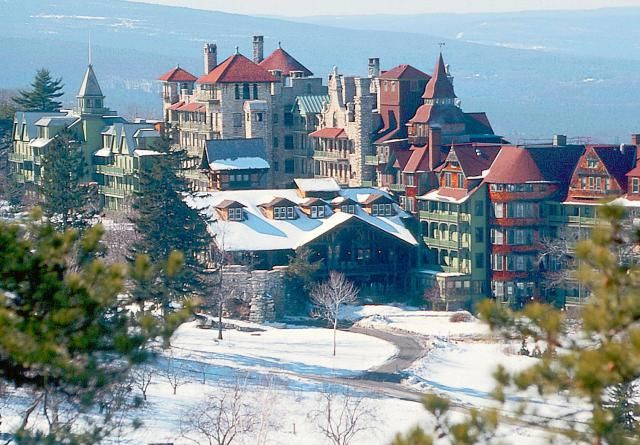 Looking for a Christmas getaway in the Catskills? Here's what you need to know about the holiday season at Mohonk Mountain House.