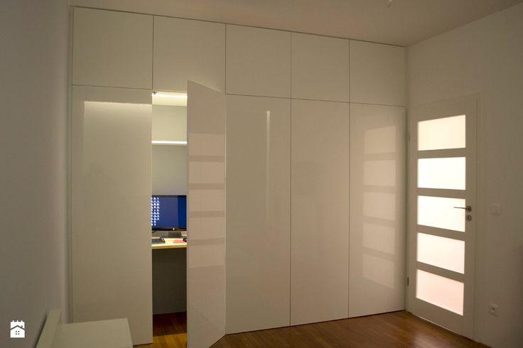 Szafa z zabudowanym biurkiem - Sypialnia - Styl Minimalistyczny - Franek Strzelba