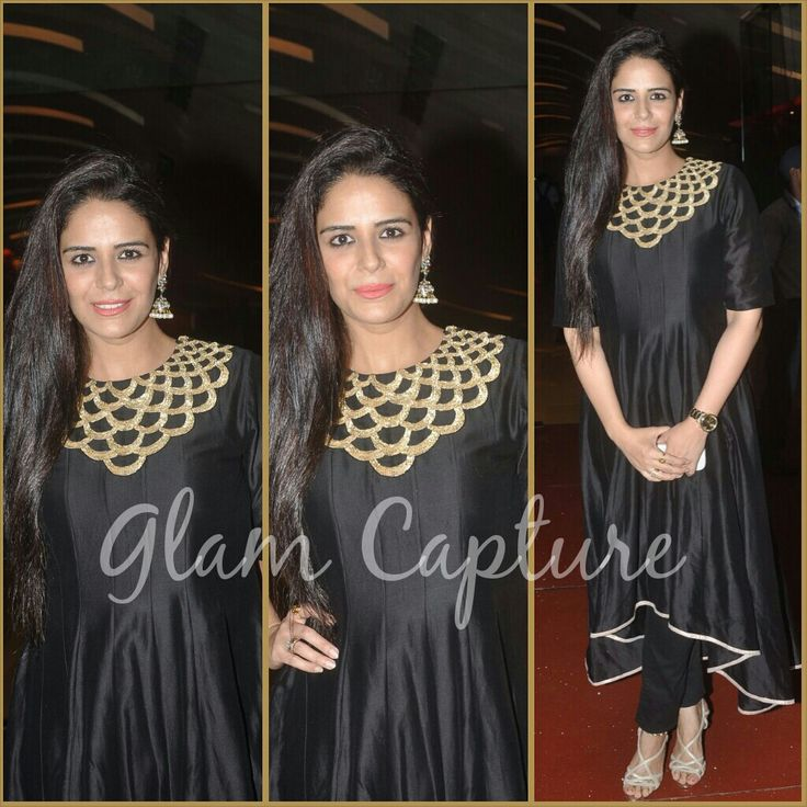 Mona Singh in a black and gold ensemble by Payal Singhal #MonaSingh #PayalSinghal #GetTheLook #Stage3 #DesignerOutfitsOnline