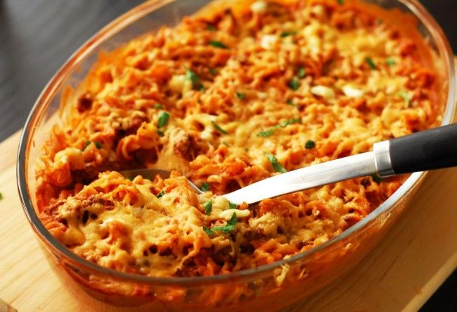 Μακαρόνια φούρνου με λουκάνικα και κρέμα γάλακτος | InfoKids