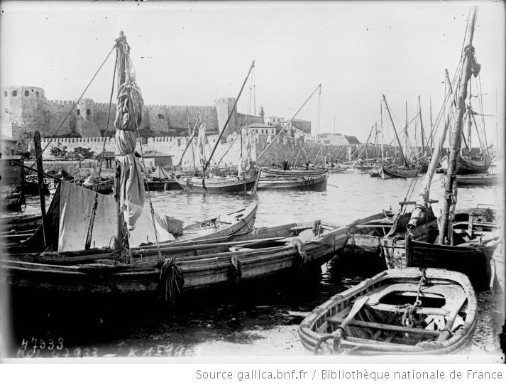 Ile de Ténédos [Turquie], vue du port avec le vieux fort grec : [photographie de presse] / [Agence Rol] - 1 Bozcaada