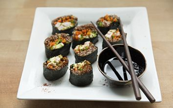 Lunchtime Inspiration: Crispy Chicken & Quinoa Sushi