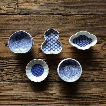 こちらは、「東屋(あづまや)」の豆皿。「和」を感じさせつつ、モダンな雰囲気が素敵です。シンプルな豆皿なので、料理にも合わせやすい。