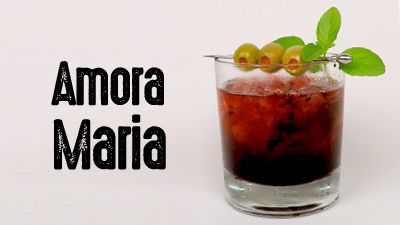 cover-drink-amora-maria-molho-ingles-pimenta-rum-ouro-azeitona-manjericao-drinkeros
