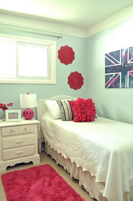 Girl's room, lovely colors