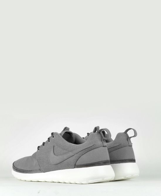 Nike Roshe Run Premium NRG QS Grey/White.