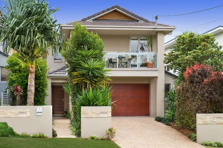 30 Melbourne Ave. Camp Hill 4 Bed 2 Bath 2 Car  http://www.belleproperty.com/buying/QLD/Southside/Camp-Hill/House/43P2698-30-melbourne-avenue-camp-hill-qld-4152