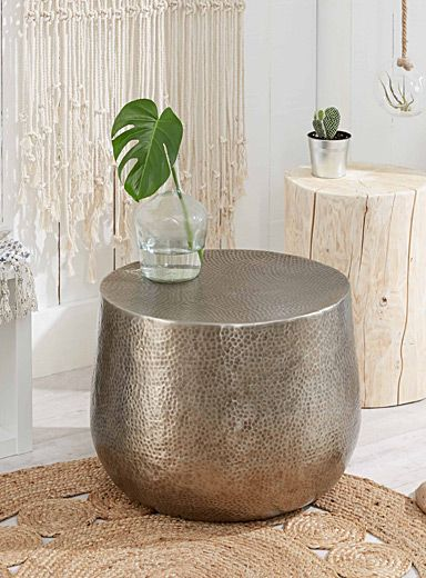 This item is only available for purchase online and home delivery. A stylish way to complete your modern and contemporary decor, this easy-care hammered-aluminum table looks beautiful both indoors and outdoors. MATERIALS AND FINISH Available in silver or antique-black aluminum DIMENSIONS Height: 16&quote; Diameter: 20&quote; PACKAGING Height: 17&quote; Length: 21&quote; Width: 21&quote; *Please note that the outer appearance of the package may differ from customary La Mais...